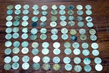 najden-klad-starinnyx-monet.jpg