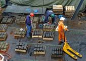 С затопленного британского судна был поднят ценный клад из серебряных слитков