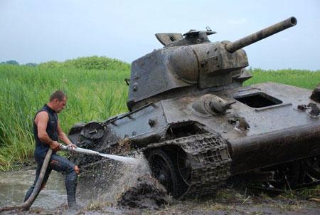 Поиск, раскопки и подъем танков ВОВ (фото и видео)